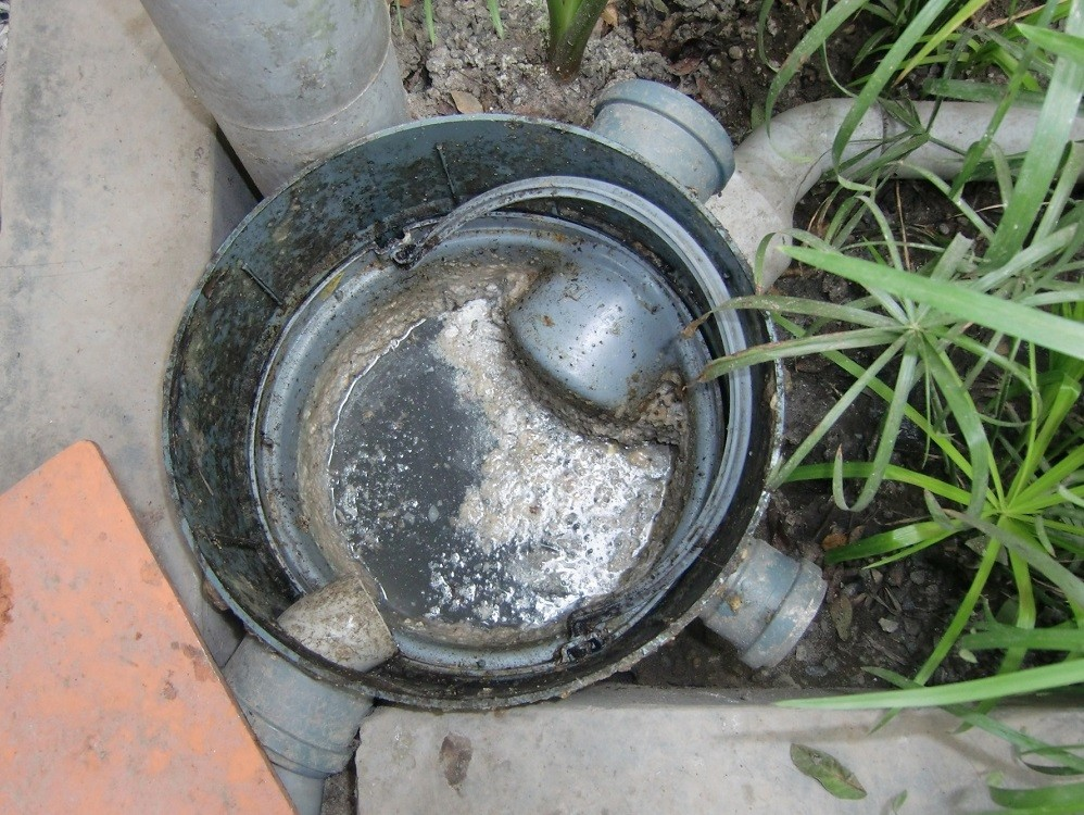 Septic tank grease trap-Palm Beach County's Septic Tank Repair, Installation, & Pumping Service Experts-We offer Septic Service & Repairs, Septic Tank Installations, Septic Tank Cleaning, Commercial, Septic System, Drain Cleaning, Line Snaking, Portable Toilet, Grease Trap Pumping & Cleaning, Septic Tank Pumping, Sewage Pump, Sewer Line Repair, Septic Tank Replacement, Septic Maintenance, Sewer Line Replacement, Porta Potty Rentals