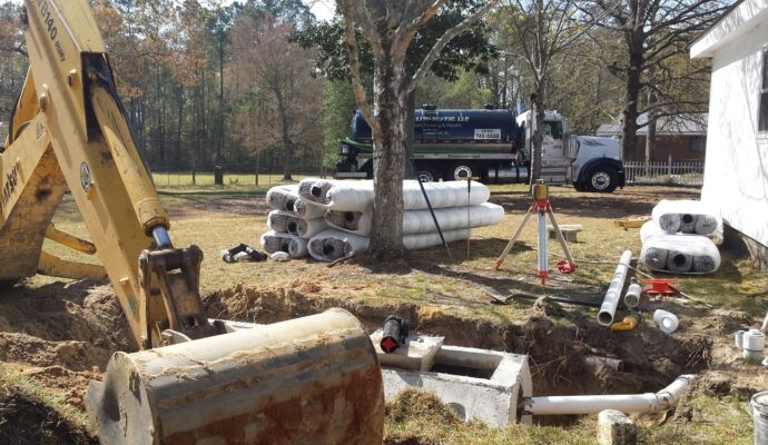 Septic tank service-Palm Beach County's Septic Tank Repair, Installation, & Pumping Service Experts-We offer Septic Service & Repairs, Septic Tank Installations, Septic Tank Cleaning, Commercial, Septic System, Drain Cleaning, Line Snaking, Portable Toilet, Grease Trap Pumping & Cleaning, Septic Tank Pumping, Sewage Pump, Sewer Line Repair, Septic Tank Replacement, Septic Maintenance, Sewer Line Replacement, Porta Potty Rentals